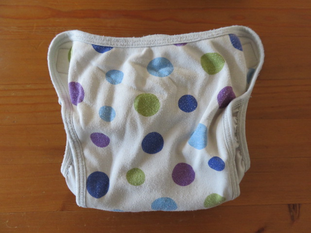内ベルトタイプの布おむつカバー