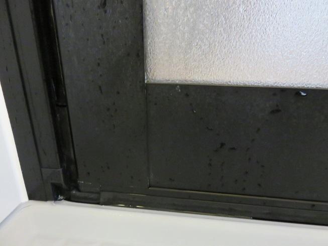 風呂ドアの白い汚れ掃除後